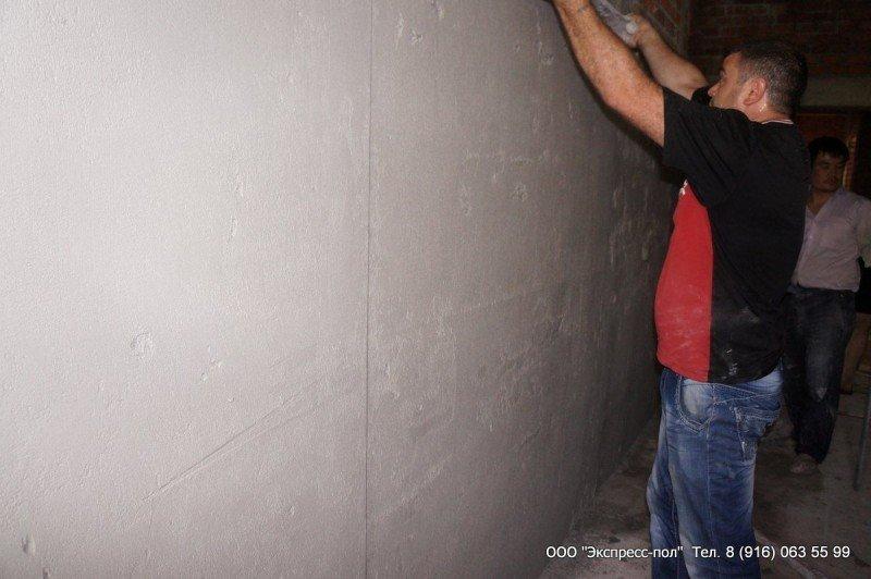 Штукатурные работы и выравнивание стены