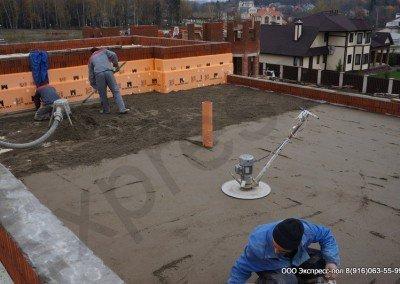 Работы на крыше дома