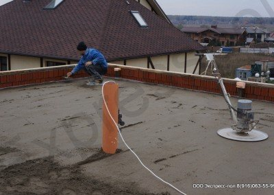 готовая стяжка на крыше дома
