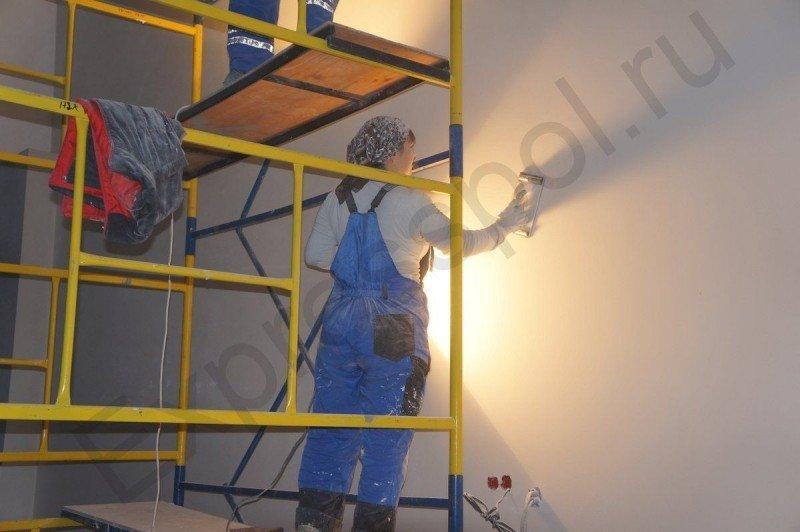 Подготовка стен под покраску, шкурка стен