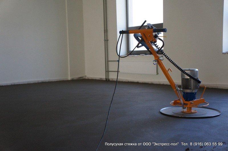 Стяжка бетонного пола после упрочнения