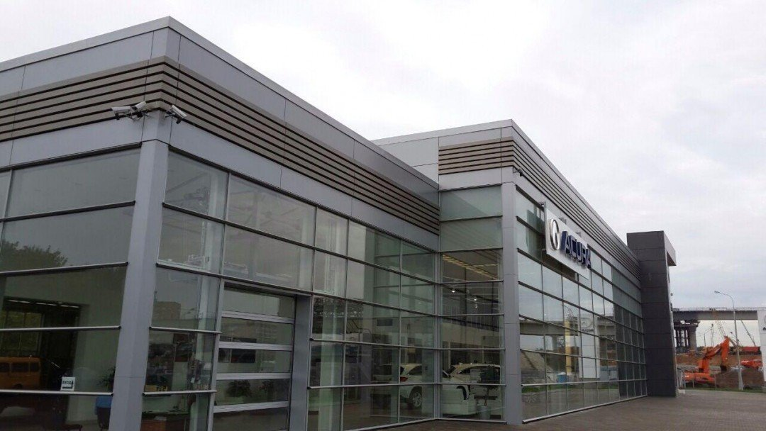 Автосалон и техцентр Acura устройство прочных полов.
