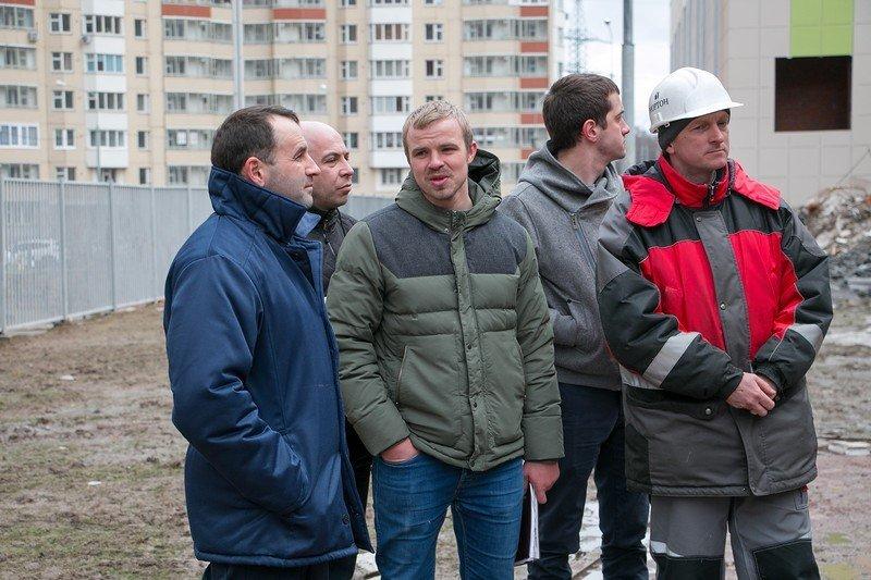 Школа в Мортонград Путилково — устройство стяжки