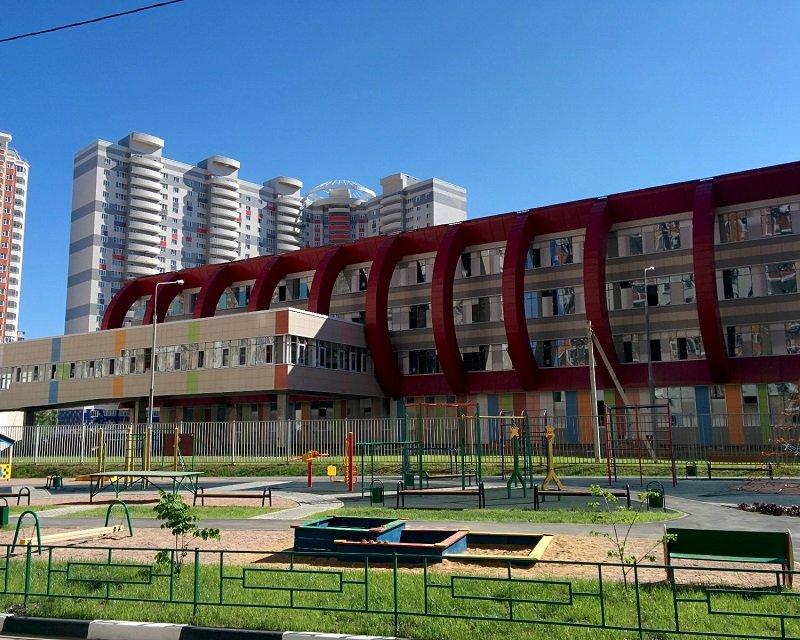 Школа Путилково Мортонград. Застройщик МОРТОН