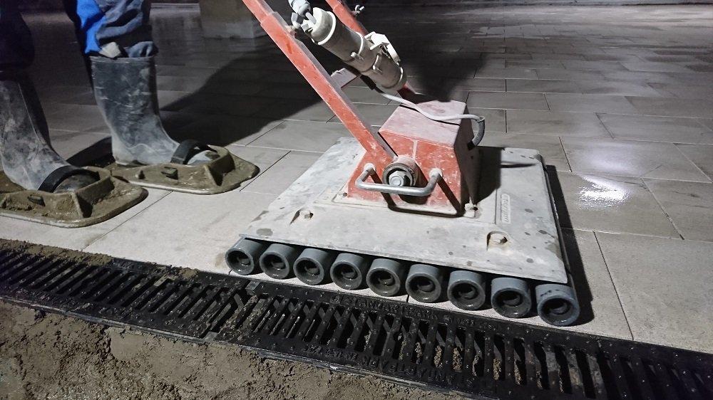 Промышленная плитка в подземном паркинге