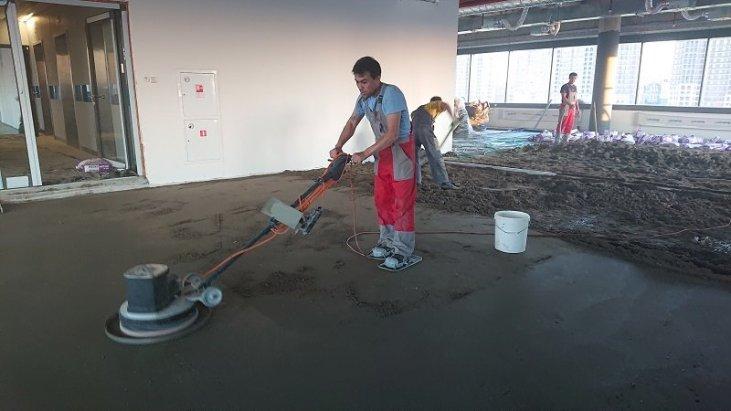 Цена стяжки пола песчано цементным раствором ленты бетон